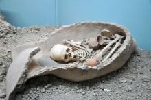 The urn burial from Elmalı