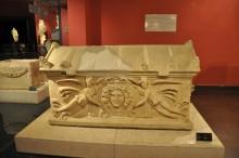 The sarcophagus with a medallion