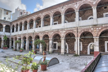 Çukurçeşme Han in Istanbul - the larger courtyard and the entrance to the cistern