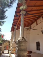 Hüdavendigâr Mosque in Edirne - columns with Byzantine capitals