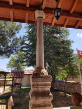 Hüdavendigâr Mosque in Edirne - a column with the Byzantine capital