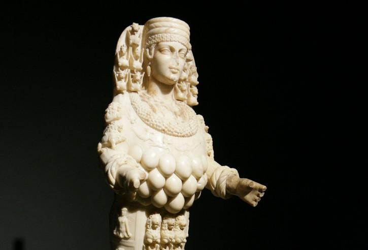Statue of 'Beautiful Artemis'